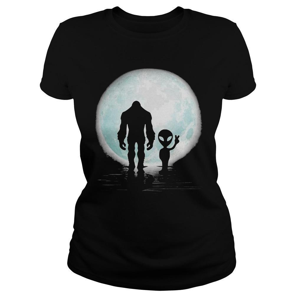 Bigfoot And Alien Under The Moon Longsleeve