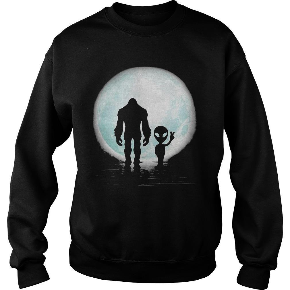 Bigfoot And Alien Under The Moon Sweater