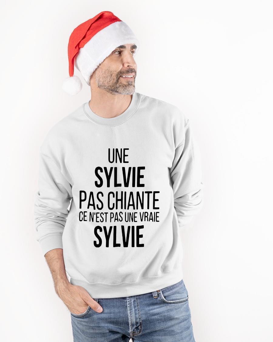 Une Sylvie Pas Chiante Ce N'est Pas Une Vraie Sylvie Longsleeve